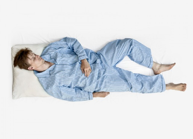 Urina di mal di schiena di sintomi con sangue