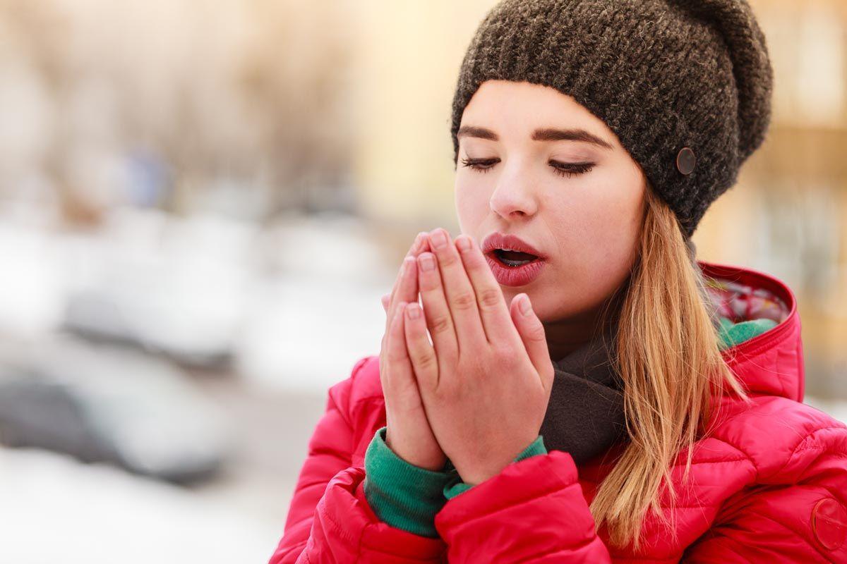 Mani fredde: possibili cause non patologiche