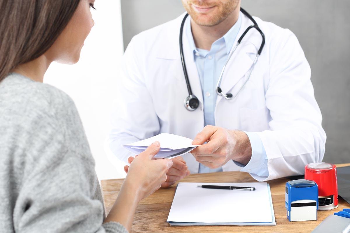 Cosa fare prima di assumere Reumaflex: effetti collaterali e controindicazioni