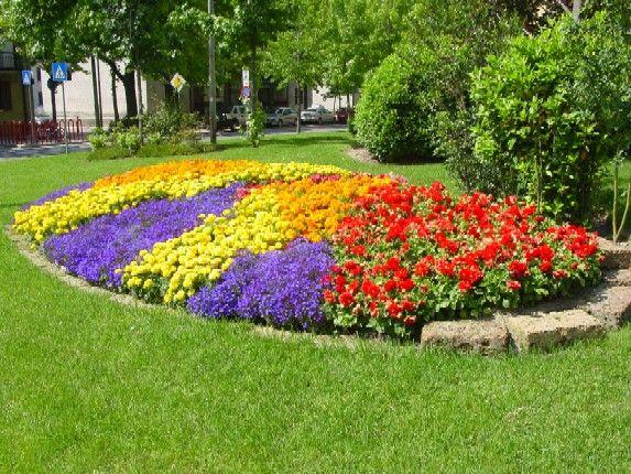 aiuole fiorite come crearle perfette per tutte le stagioni ForAiuole Fiorite Immagini