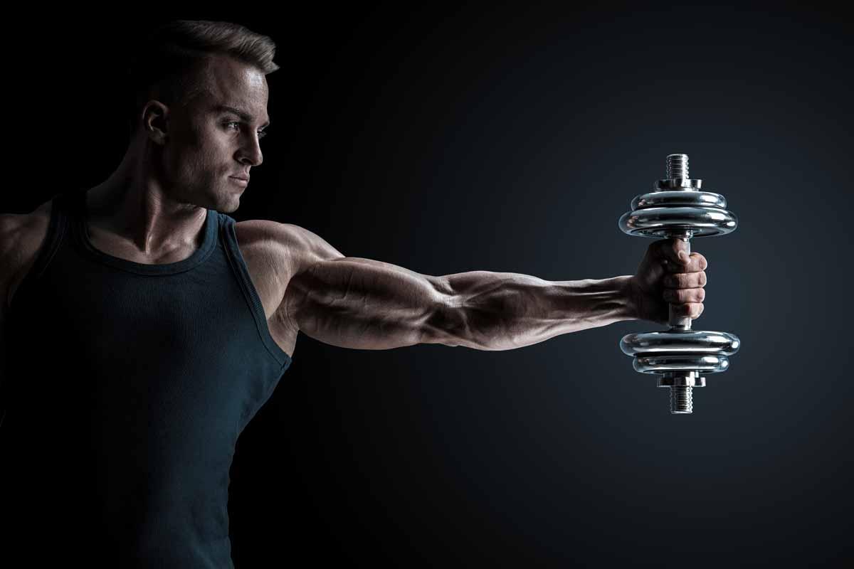 Esercizi deltoide: lento indietro
