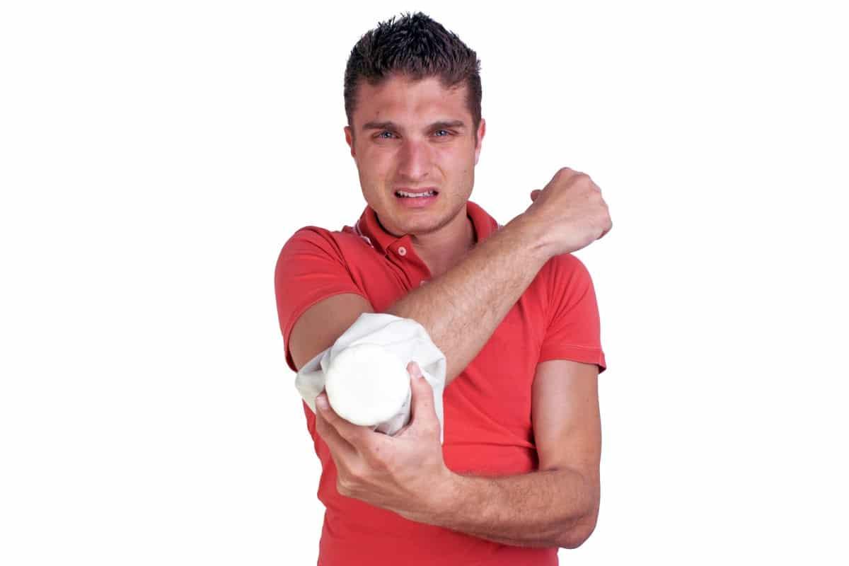 Attività che possono causare il gomito del tennista