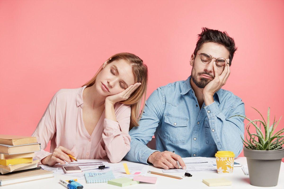Associazione tra fatica mentale e disturbi del sonno