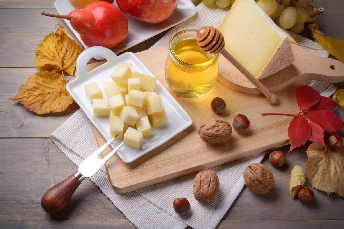 Cucina Per Bambini Miele : Miele di acacia: le sue proprietà e il suo uso in cucina