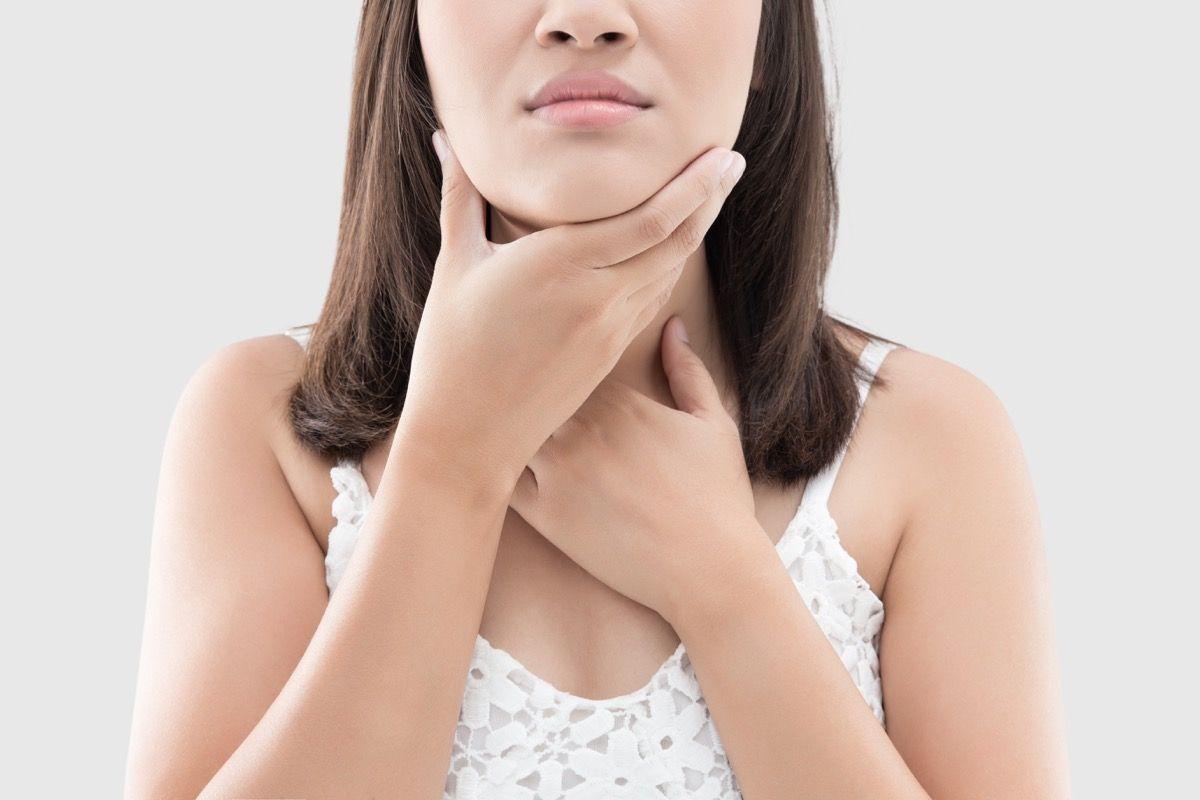 Rimedi per il mal di gola ecco quali sono for Rimedio per il mal di gola
