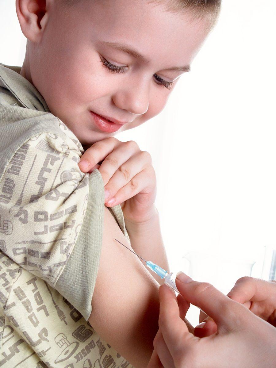 Bambino vaccinato contro il tetano