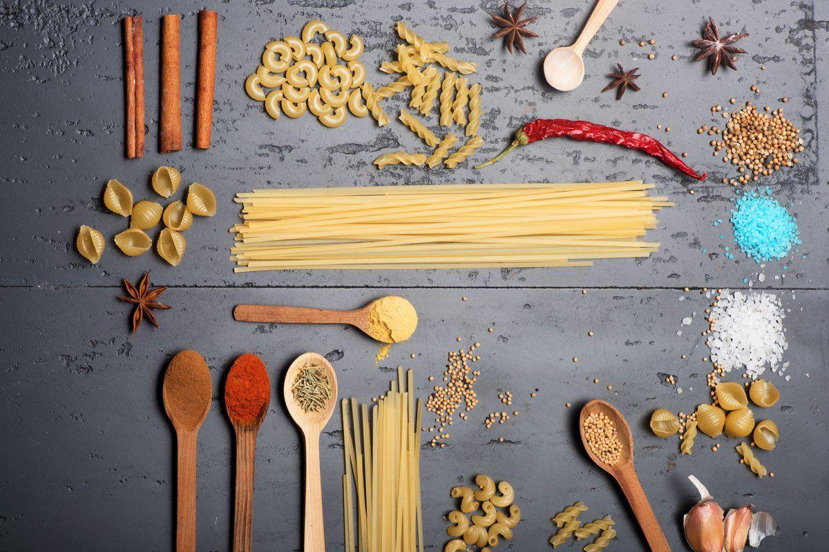 spaghetti alla rana pescatrice e curcuma