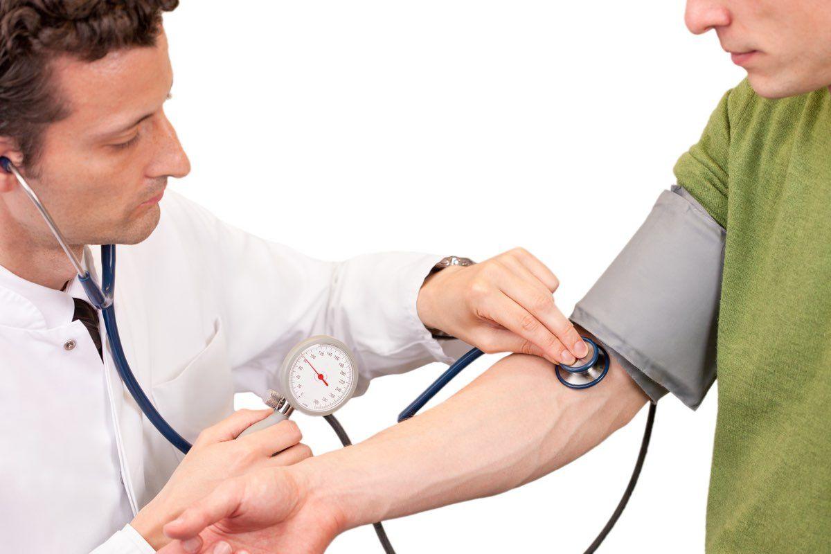 misurare la pressione del sangue