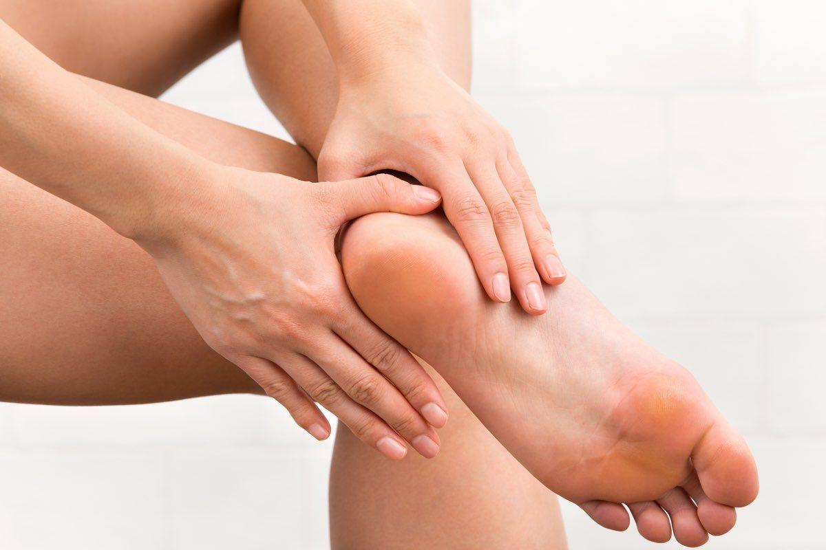 borsite del piede e dolore tallone