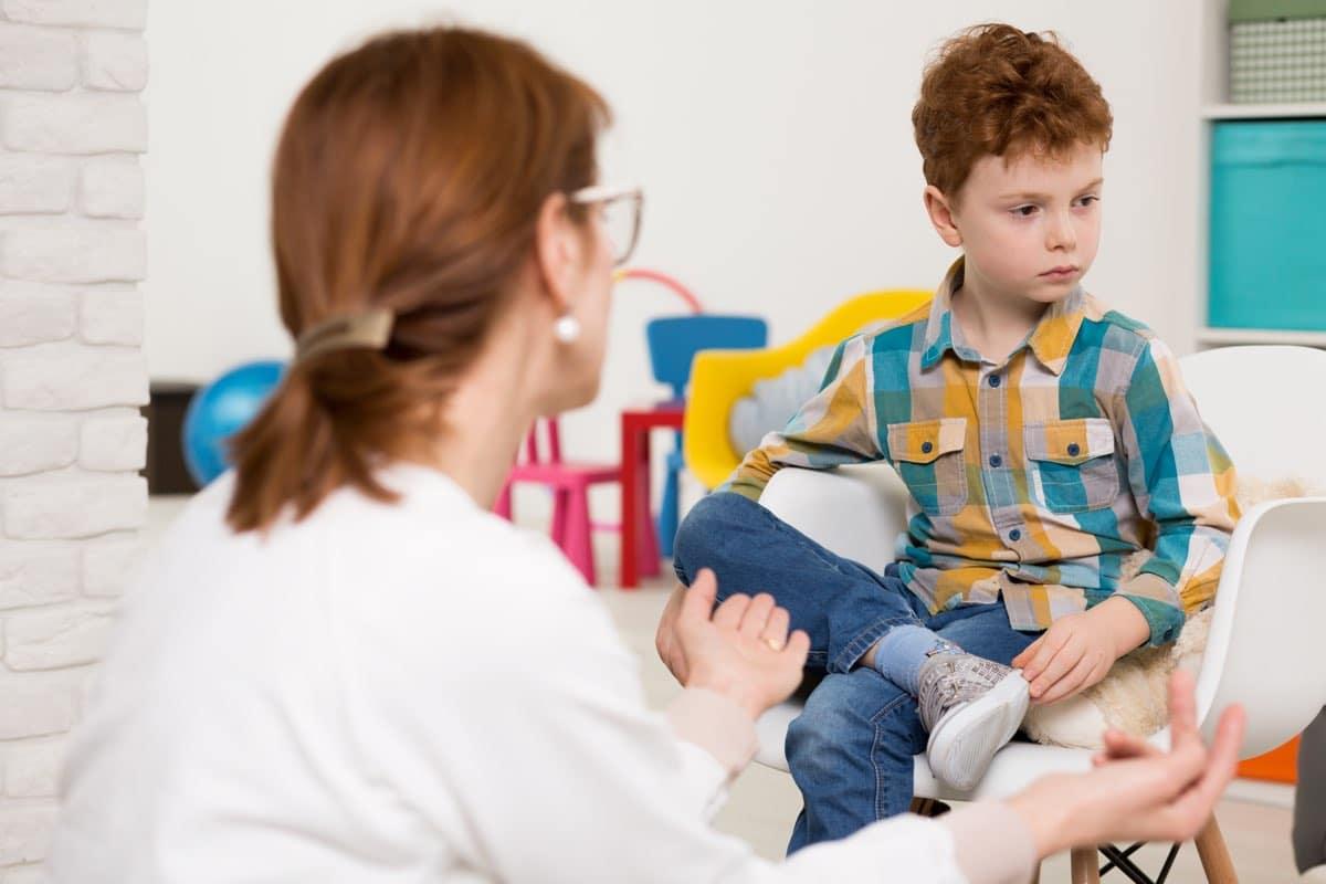 Come riconoscere i segnali dell'autismo
