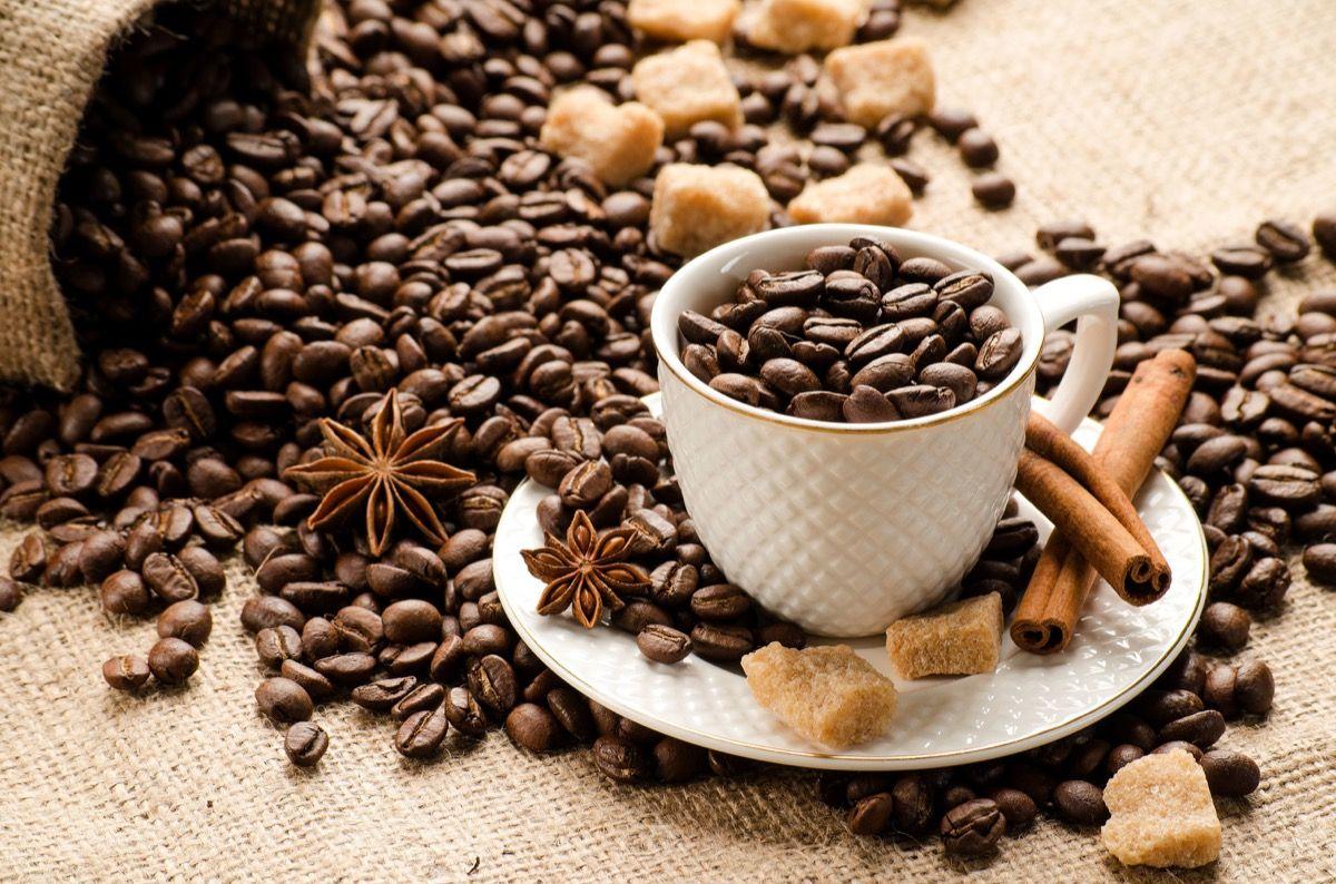 Il Dipiridamolo è inattivato dalla caffeina e dalla teina