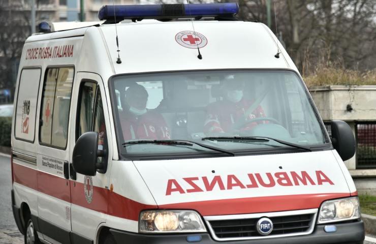 Violento incidente stradale muore bambina 3 anni