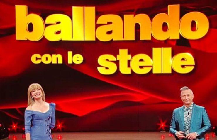 Milly Carlucci perde pezzo show Ballando Con Le Stelle