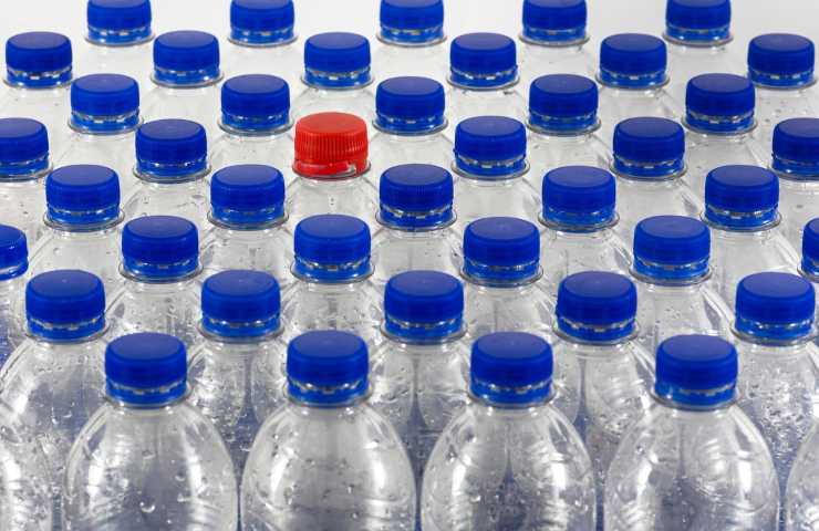 Bottiglie di plastica seconda vita green