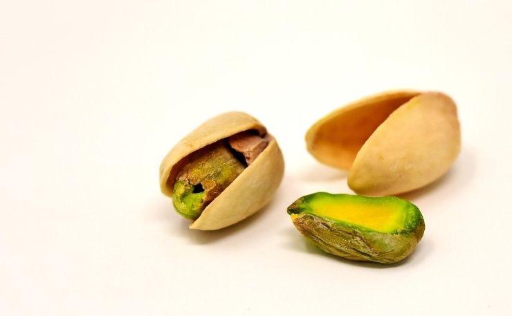 mangiare pistacchi
