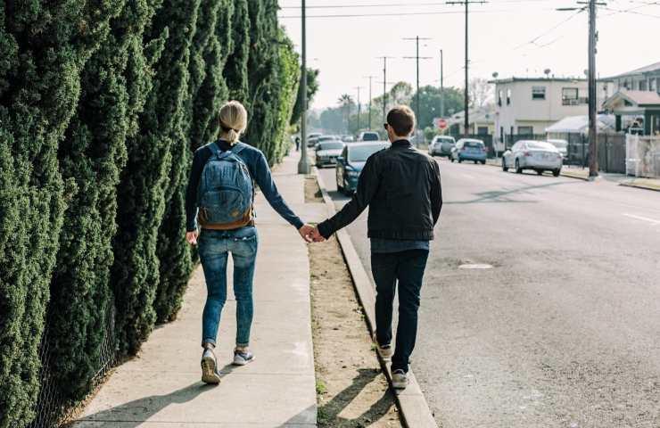 Camminare con il partner svataggio
