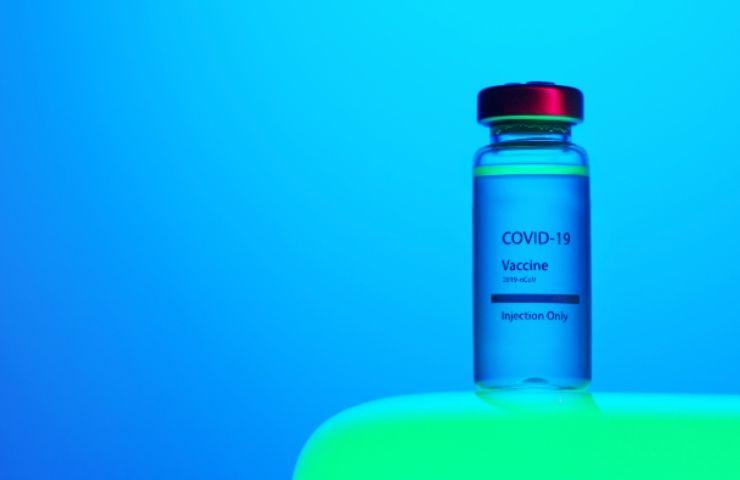 Vaccino anti-Covid, terzo richiamo