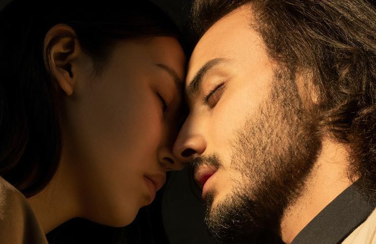 baciare uno sconosciuto
