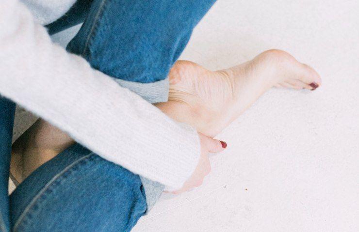 Piedi femminili massaggio