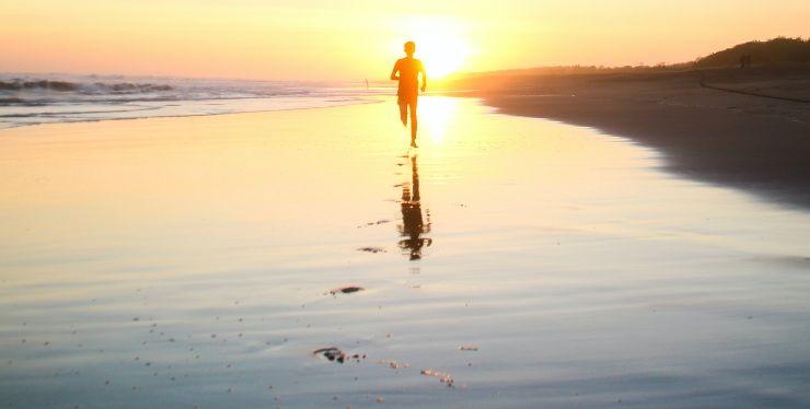 camminare all'alba