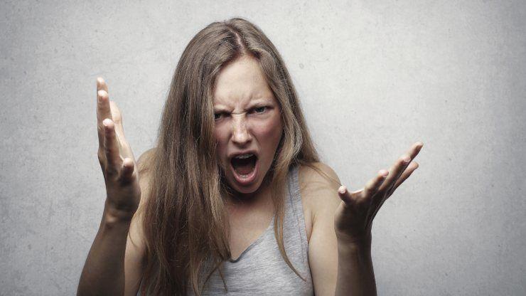 donna rabbia repressa