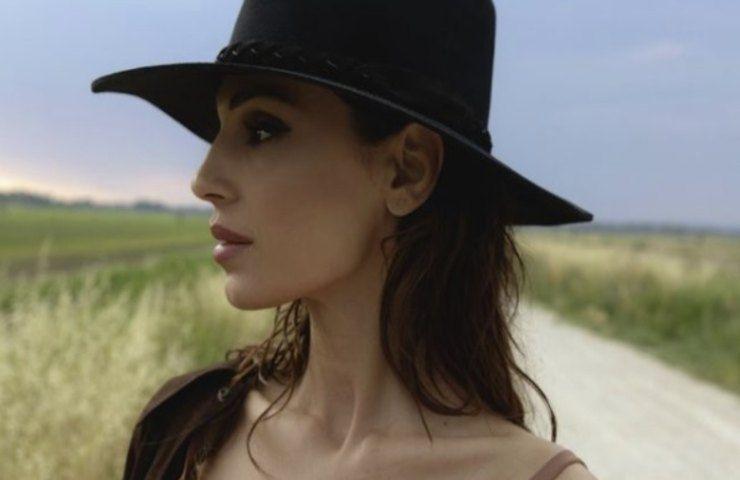 Anna Tatangelo nuovo singolo