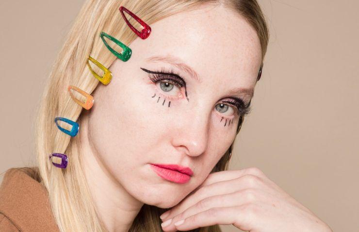 Acconciature capelli che invecchiano cosa evitare