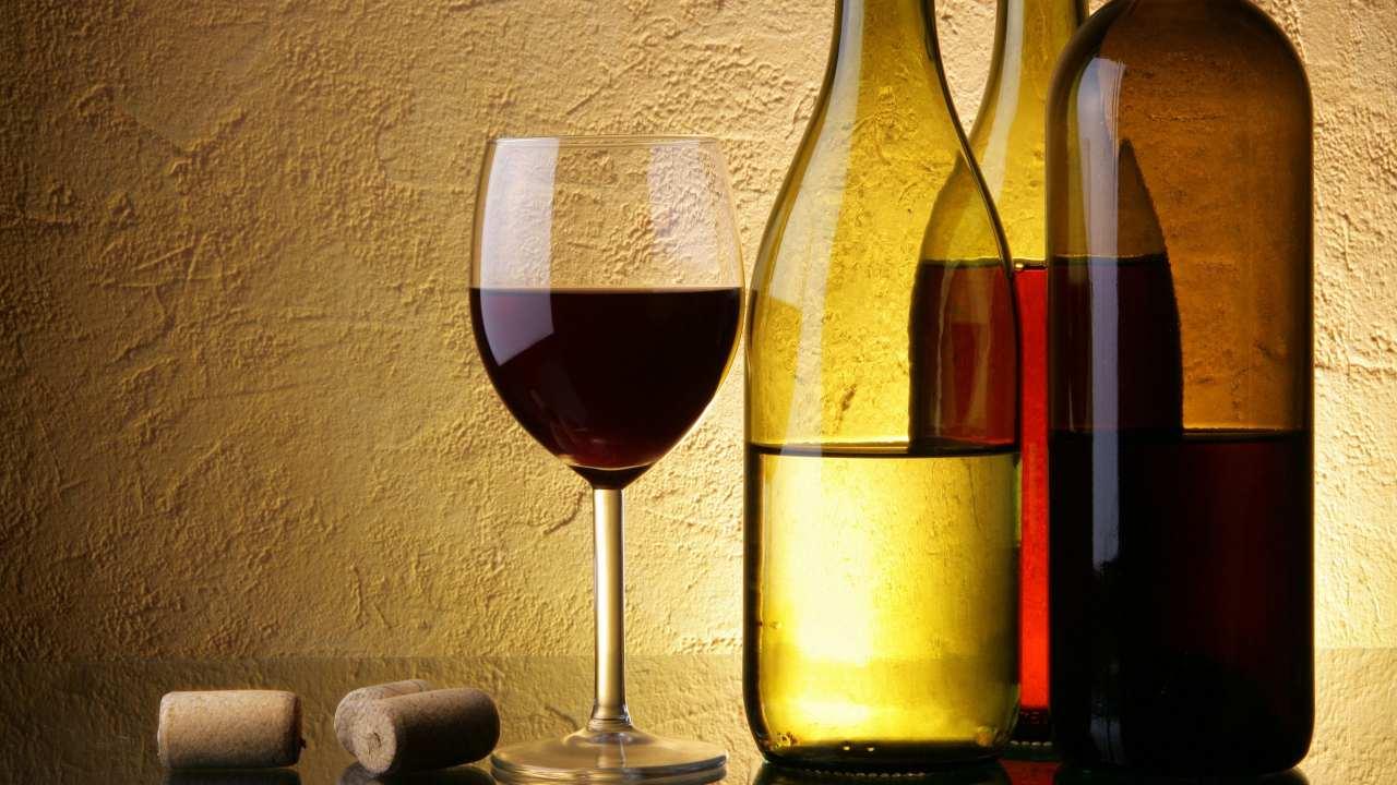 bottiglia di vino aperta