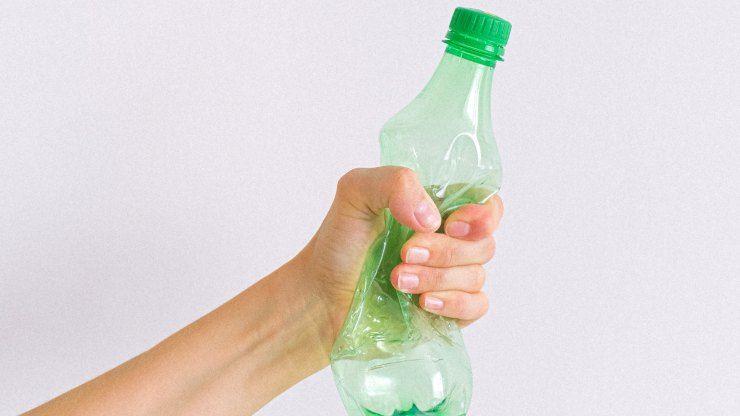 3 luglio stop plastica monouso
