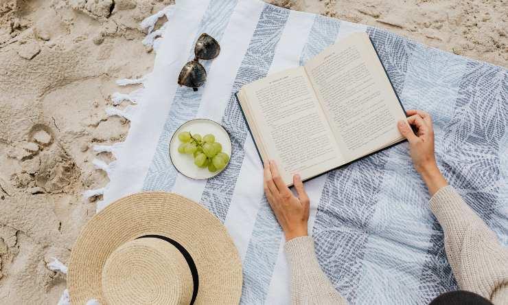 spiaggia oggetti estate telo