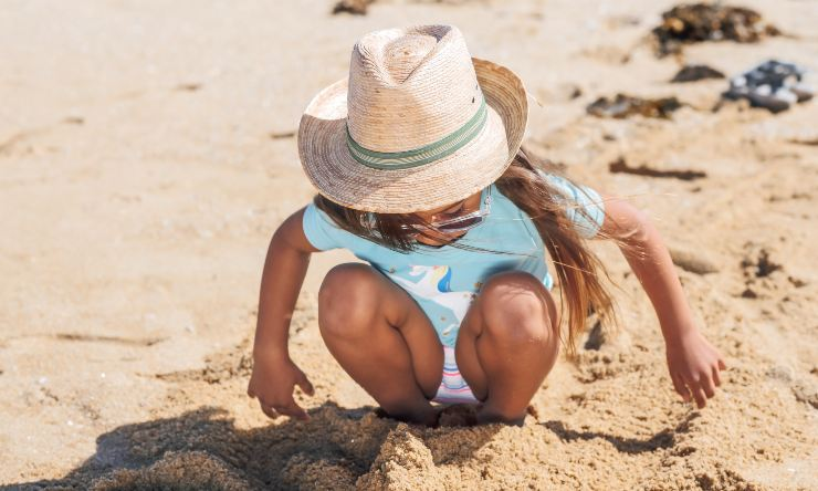 bambini e giochi da spiaggia