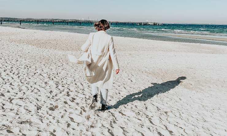 scarpe sulla sabbia