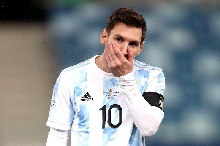 L'argentino in Francia con la moglie (Getty Images)
