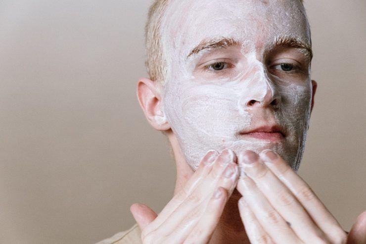 detergente per il viso