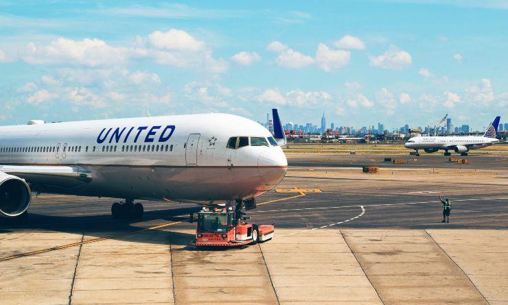 consigli per viaggiare comodi in aereo