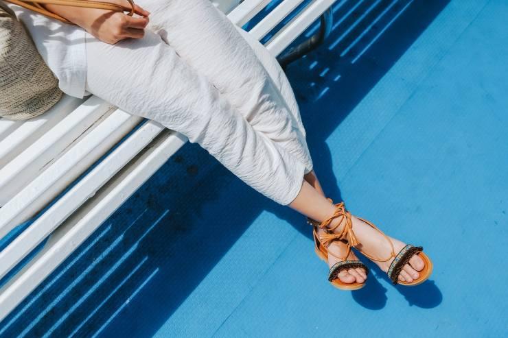 sandali senza tacco