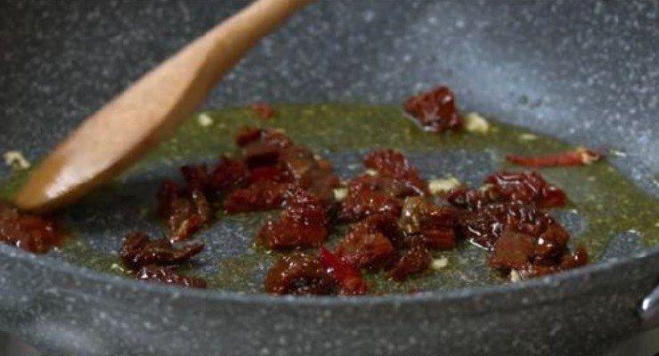 Spaghetti aglio, olio e peperoncino ricchi