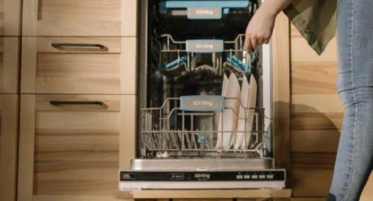 Fare pastiglie per lavastoviglie