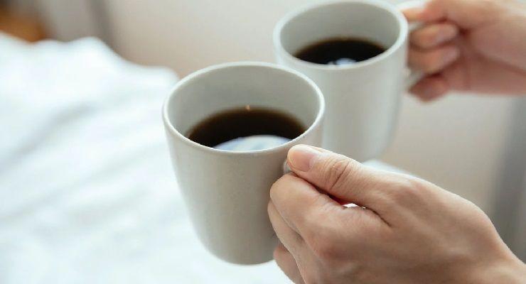 Bere caffè a stomaco vuoto