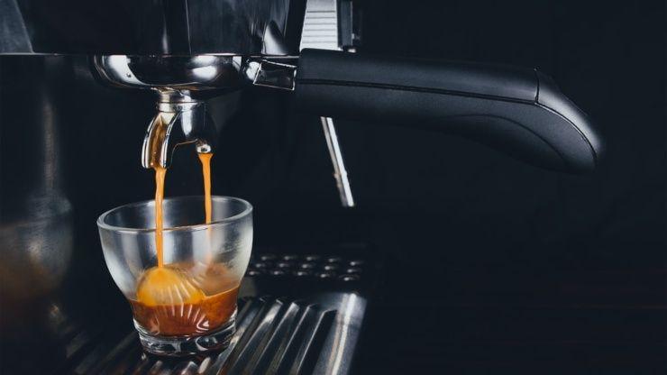 pulire macchina caffe aceto