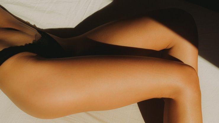 Come schiarire le ginocchia scure