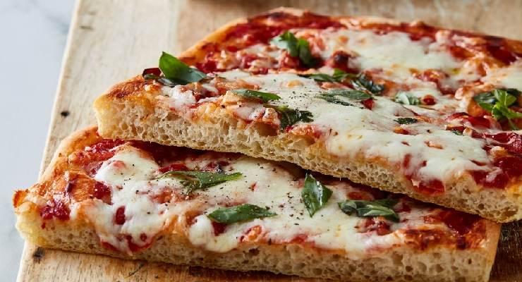Pizza in 5 minuti senza lievitazione
