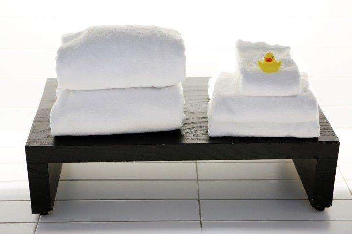 il motivo dietro le lenzuola bianche degli hotel