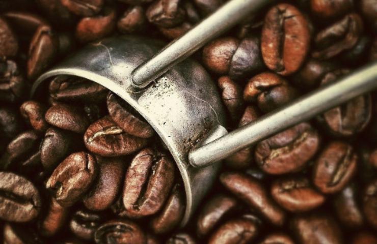 aumenti caffè e zucchero