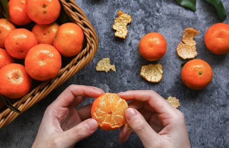 Bucce di mandarino, non gettarle