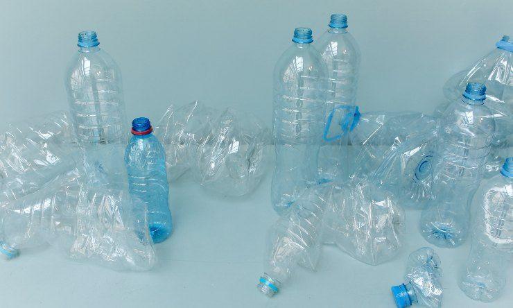 diminuire consumo della plastica